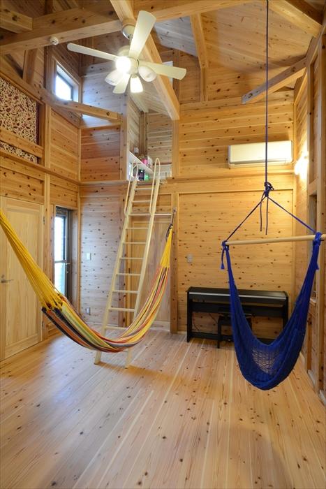 断熱効果・調湿効果により、高い天井でも夏も冬も快適に暮らすことができます。